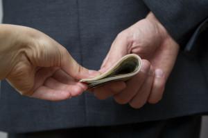 Korupcja i łapownictwo oraz nadużycia księgowe. To bolączki polskich firm