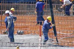 Firmy będą ograniczać nowe miejsca pracy, a nawet redukować zatrudnienie