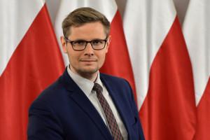 Minister Woś zakażony koronawirusem