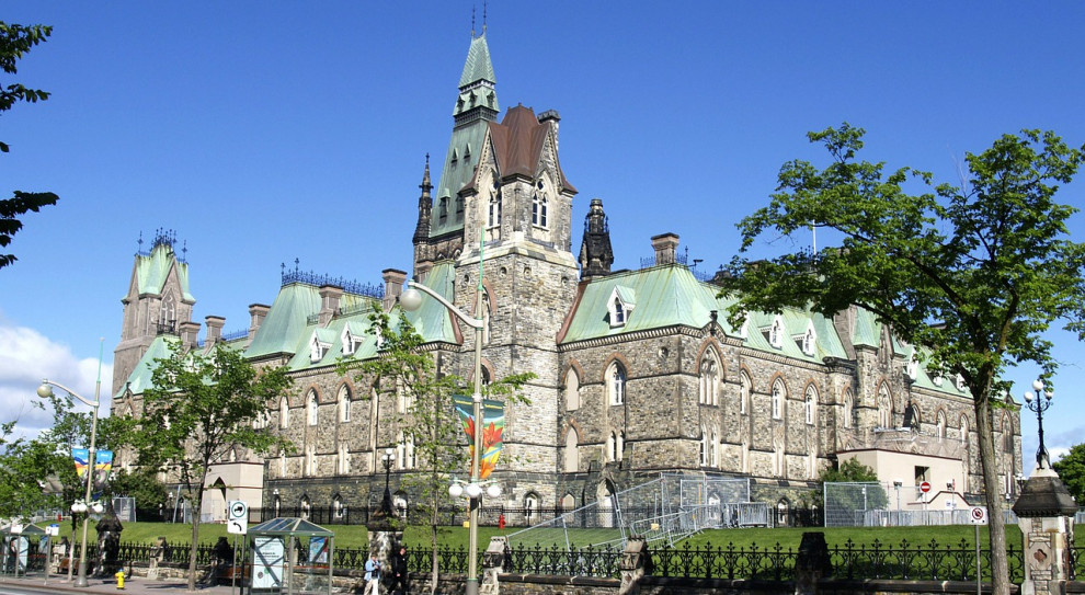 Rząd Kanady wspiera gospodarkę. 82 mld dolarów dla biznesu