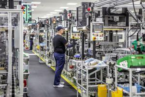 W fabrykach Toyoty zwieszono produkcję, ale pracownicy otrzymają pensje