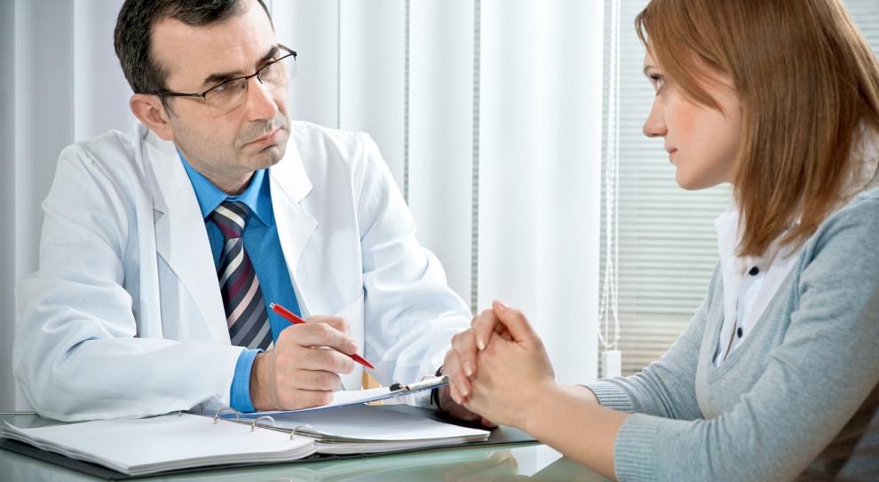 W Łodzi izba lekarska oferuje lekarzom wsparcie psychologiczne