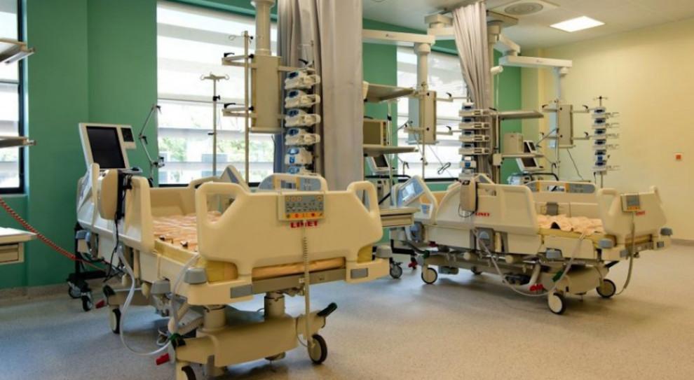 W Krakowie szpital zamknął dwa oddziały. Koronawirus u trzech pracowników