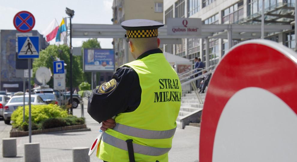Straż miejska otrzymuje mniej zgłoszeń o łamaniu zakazów