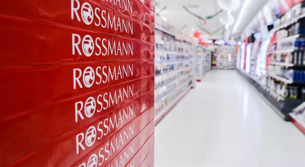 Koronawirus. Rossmann i Nestlé wspierają personel medyczny