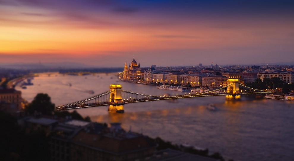 Węgry: trudna sytuacja na rynku pracy na skutek pandemii