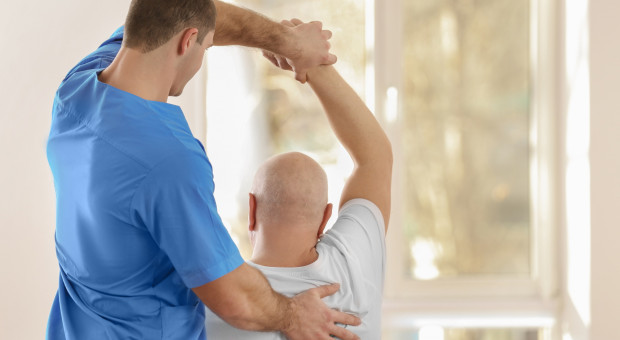 Dlaczego fizjoterapeuci przyłączają się do protestu medyków? Pytamy o to prezesa KIF