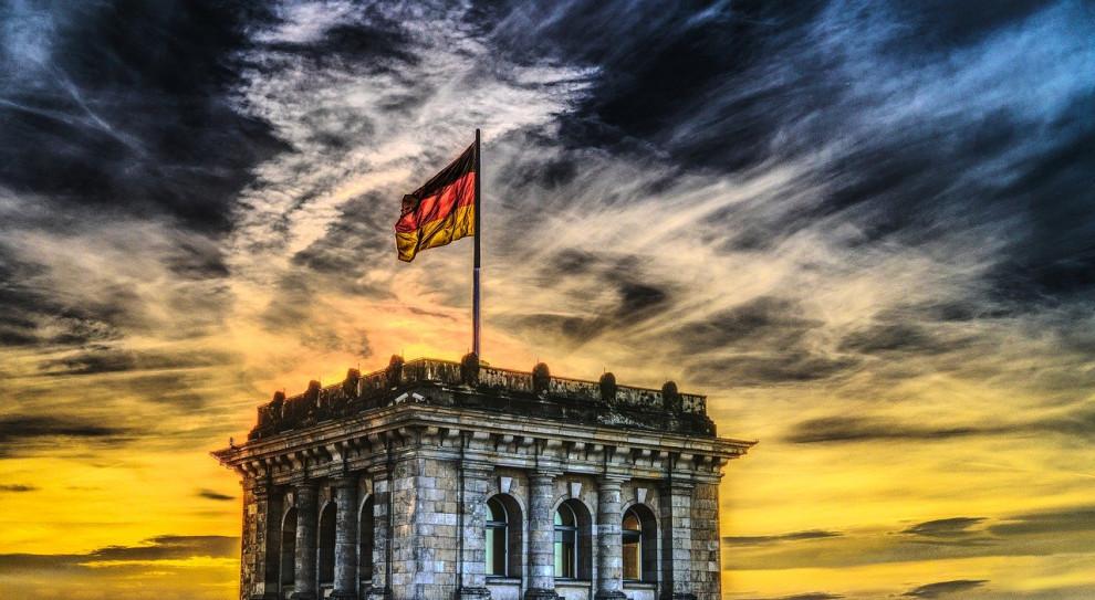 """Blisko pół miliona niemieckich firm złożyło wnioski o """"postojowe"""" dla pracowników"""