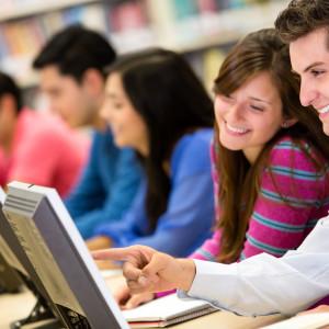 Na UW po wakacjach mieszany system kształcenia