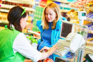 Ponad połowa miejsc pracy zagrożonych z powodu restrykcji przypada na handel