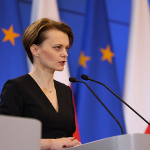 Emilewicz: 3 tys. wniosków o zawieszenie składek ZUS po pierwszym dniu obowiązywania tarczy