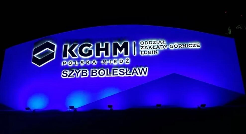 Niebieski KHGM pomaga w walce z autyzmem