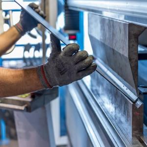 Realizacja rządowych zaleceń może sparaliżować pracę w fabrykach