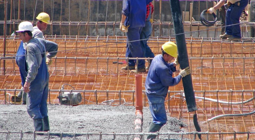 Polacy bardziej boją się obniżek pensji z powodu pandemii niż utraty pracy