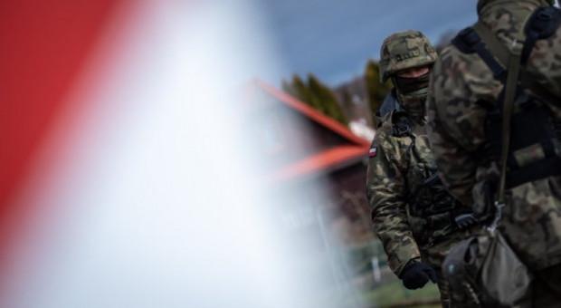 Szef MON: w walkę z koronawirusem zaangażowanych jest ponad 8,5 tys. żołnierzy
