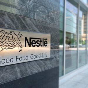 Nestlé Polska wspiera 5,5 tys. pracowników. Wprowadza dodatkową dietę do pensji