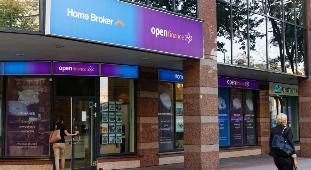 Zwolnienia grupowe w Open Finance i Home Broker. Pracę straci kilkaset osób
