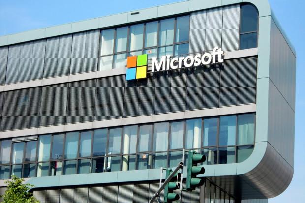 Microsoft daje rodzicom trzymiesięczny urlop