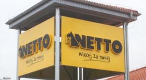 Pracownicy Netto ze świątecznymi dodatkami