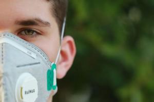 Znany koncern z branży automotive przestawia się na respiratory i maseczki