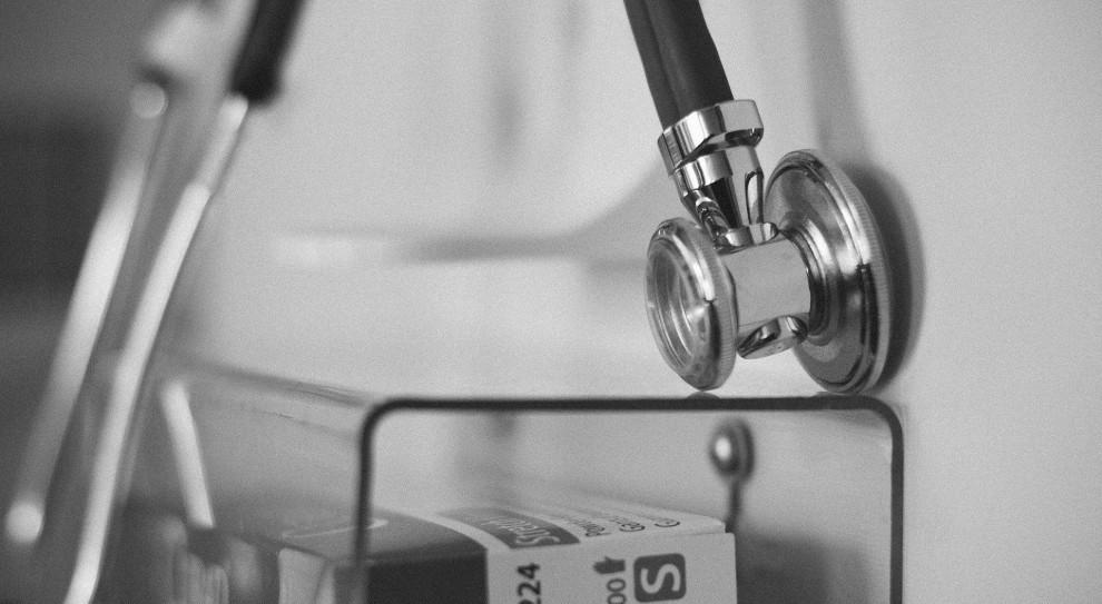 Lekarze bez pracy przez odwołane egzaminy specjalizacyjne