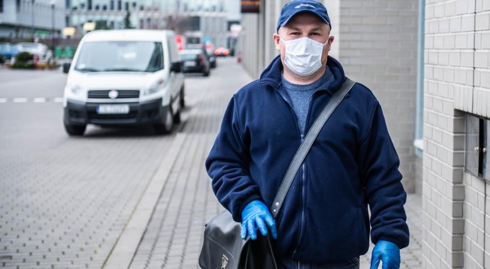 Pracownicy Poczty Polskiej i Netto otrzymali maseczki ochronne