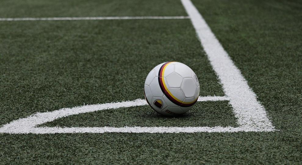 Kluby sportowe obniżają wynagrodzenia nawet najlepszych zawodników