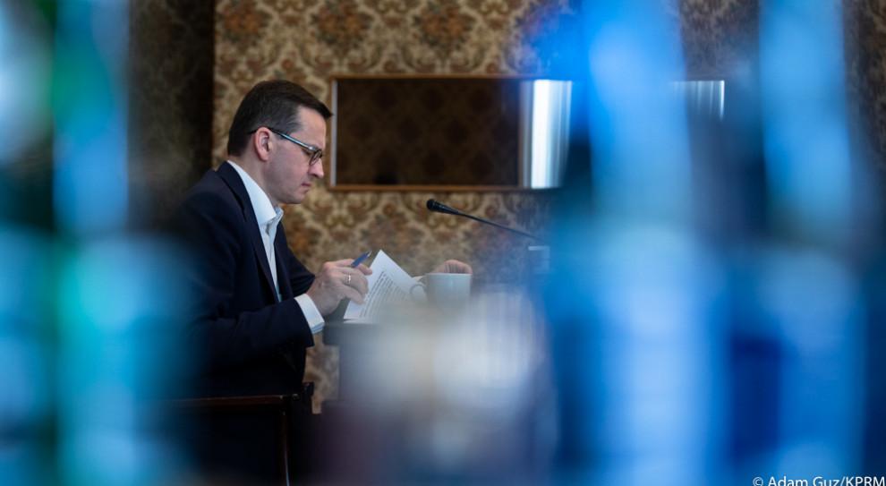 Premier: rozwiązania dot. ZUS-u, mikrofirm i dużych firm w następnej ustawie, która trafi do Sejmu