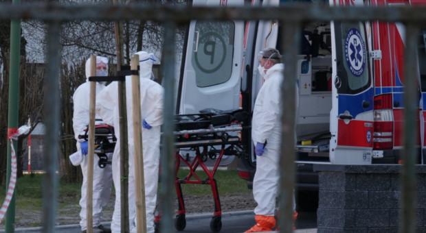 Badanie: pracownicy służby zdrowia przechodzą Covid-19 bezobjawowo