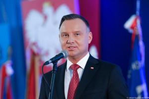 Prezydent: nie będzie żadnego odbierania polskiej rodzinie przyznanych jej świadczeń