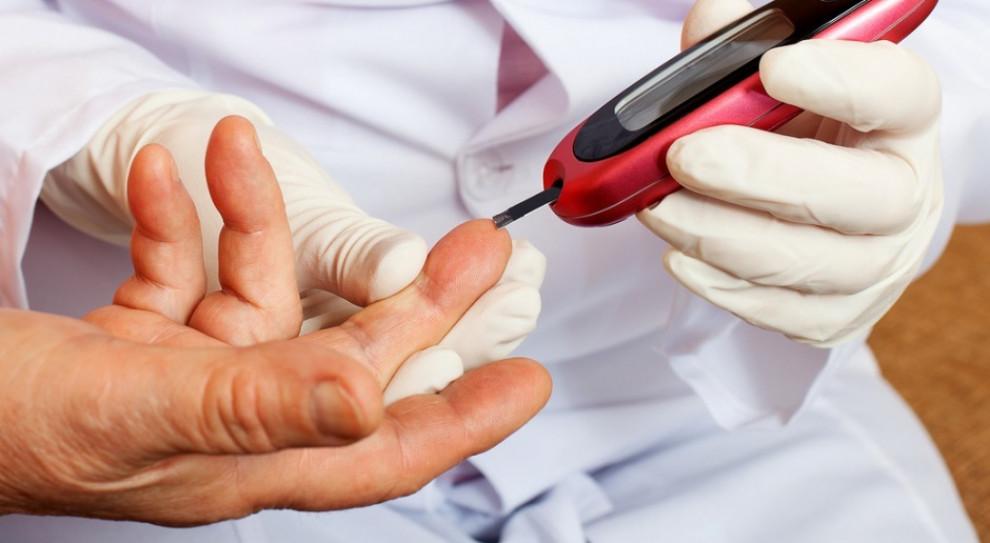 Cukrzyca: zalecenia dotyczące pracy w czasie epidemii z pacjentem z cukrzycą