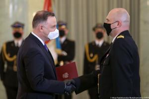 Prezydent wręczył nominacje generalskie komendantom PSP