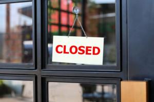 W kwietniu wyraźny spadek liczby zawieszeń i likwidacji firm w Polsce