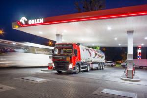 PKN Orlen: maski ochronne sprzedawane na stacjach paliw wsparciem polskich producentów