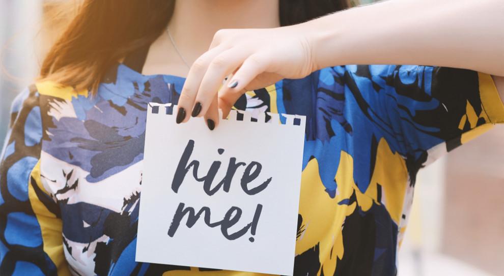 Prawie 14 proc. kandydatów kłamie w CV, ponieważ chce dostać wyższą pensję niż oferowana. (Fot. Shutterstock)