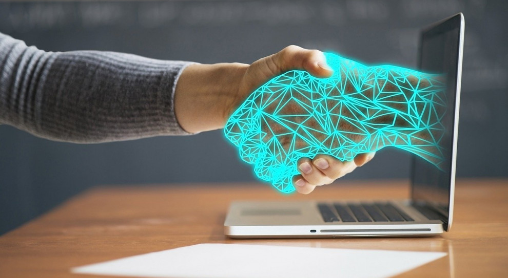 Praca zdalna – technologia musi iść w parze z troską o pracownika