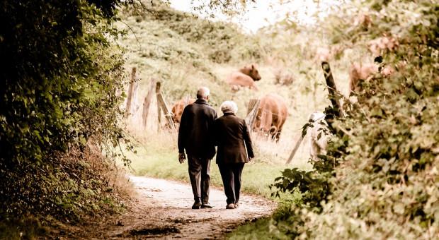 """Dzisiejsi seniorzy są """"młodsi"""", niż ich rówieśnicy z przeszłości"""
