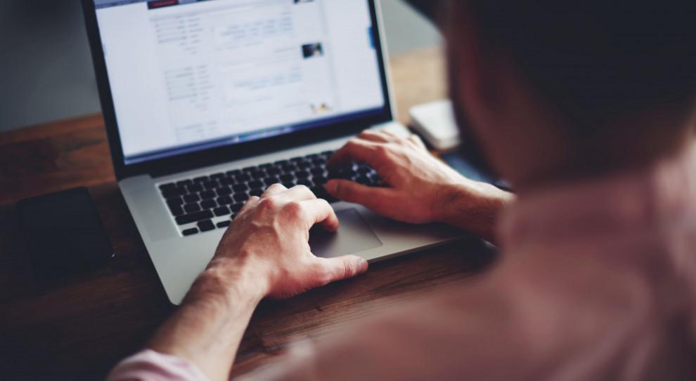 Eurostat: tylko 5 proc. Polaków bierze udział w szkoleniach on-line