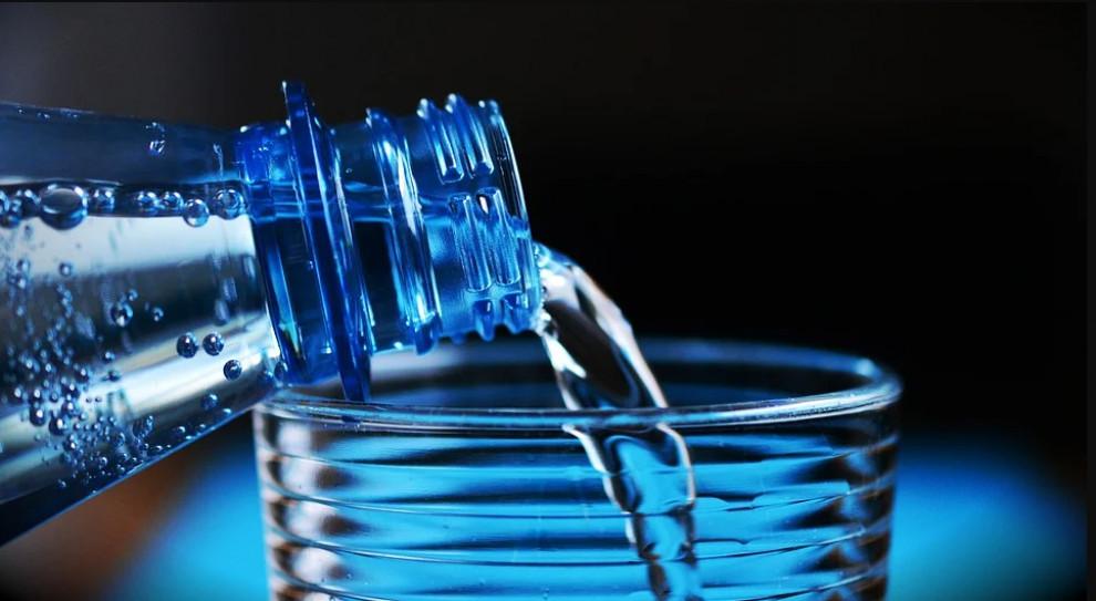 Eurocash Cash&Carry zebrał ponad 146 tys. litrów wody dla szpitali
