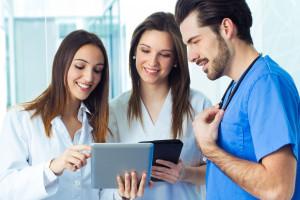 Więcej punktów za zdalne zajęcia praktyczne na studiach medycznych