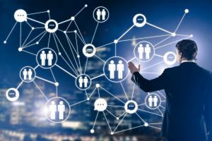 Firmy wdrażają duże zmiany w systemie pracy