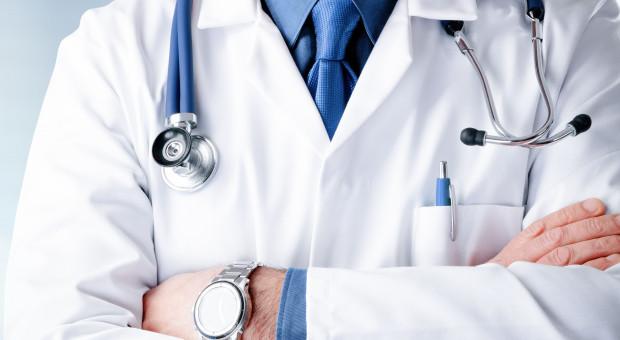 OZZL: Czas powrócić do rozmów o podwyżkach dla lekarzy specjalistów