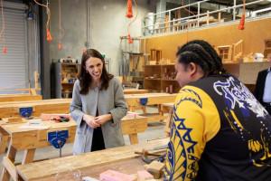 Nowa Zelandia w ramach odbudowy gospodarki skróci tydzień pracy?