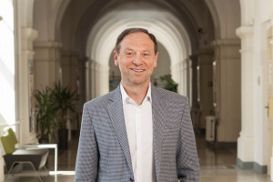 Jacek Wróbel ponownie rektorem