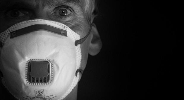 Senacka komisja za projektem o wywołanych przez COVID-19 chorobach zawodowych medyków