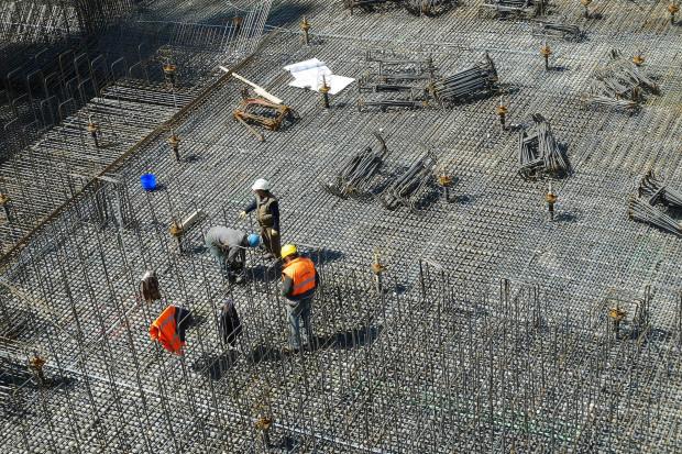 Pandemia koronawirusa przekwalifikuje pracowników ze Wschodu