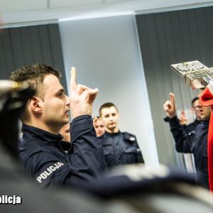 Policja rekrutuje pracowników. Czeka ponad 300 miejsc pracy