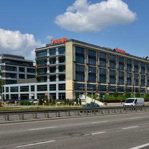 Orange Polska: mniejsze podwyżki, ale i mniejsze zwolnienia