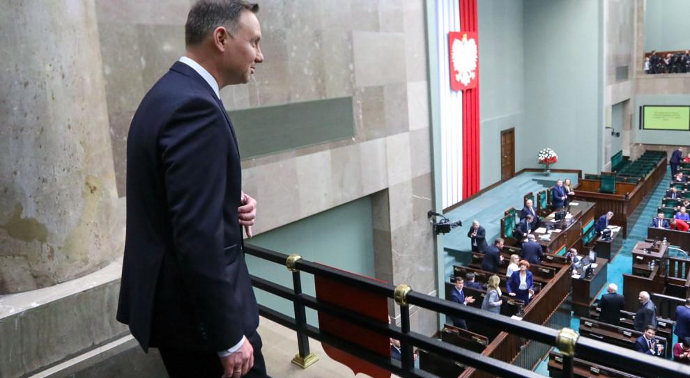 Polacy za podwyżką dla prezydenta, dla parlamentarzystów już nie