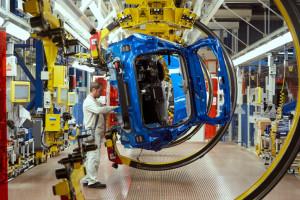 Fiat wznawia produkcję. Pracowników czekają dodatkowe obowiązki